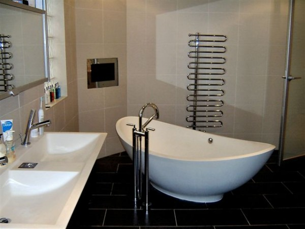 Bathroom fitters Cardiff